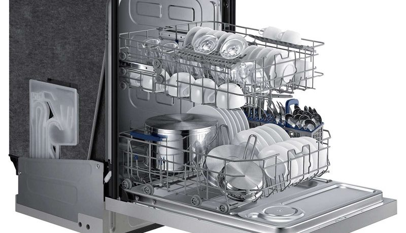 What to Do When Loading the Dishwasher Machine – 9 Tips