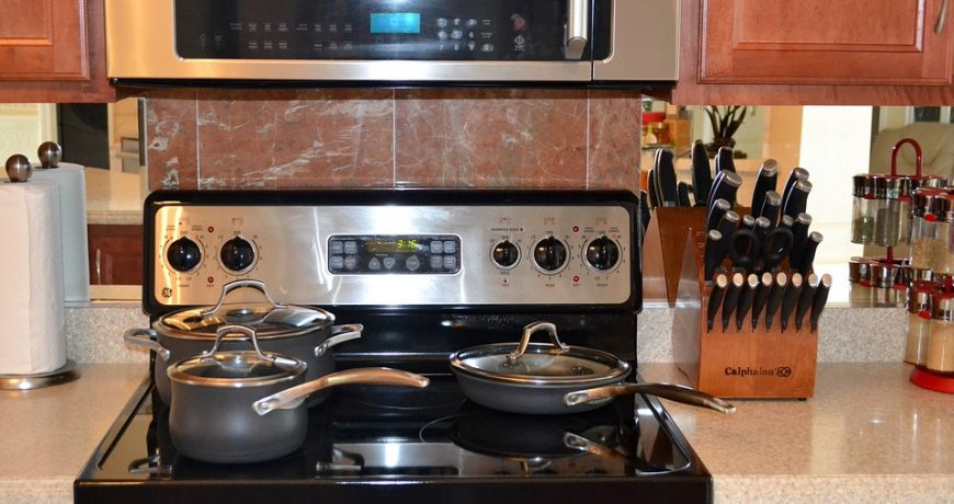 Best Tips to Clean Baking Oven and Kitchen Hob